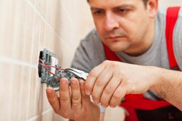 installer efficacement une prise électrique